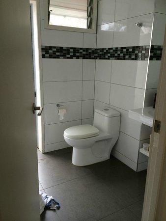 Manuia Beach Resort: bathroom