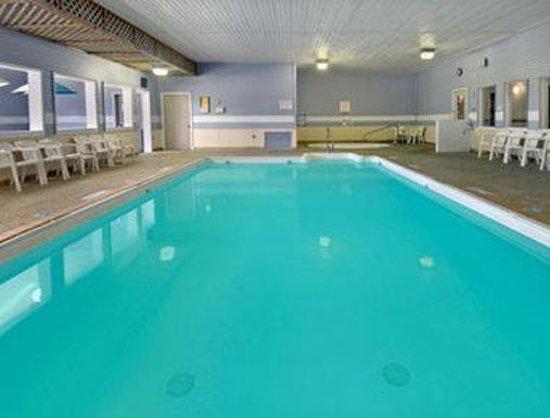 Days Inn Alpena : Pool