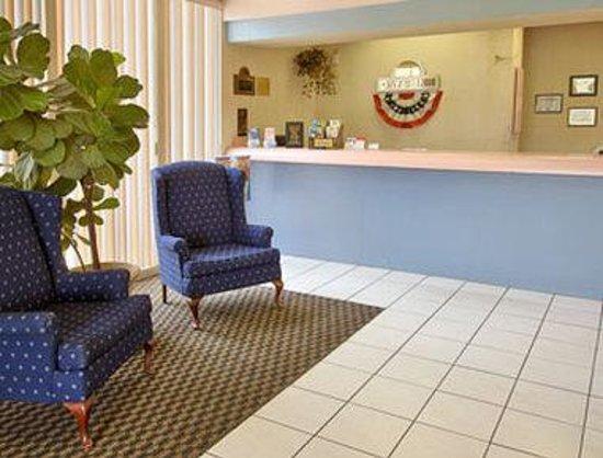 Days Inn Ocala North: Lobby