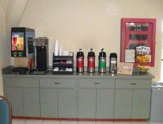 Days Inn Ocala North: Breakfast Area