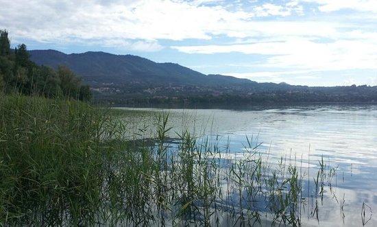 Lake Varese bicycle trail: Seguendo la pista ciclabile
