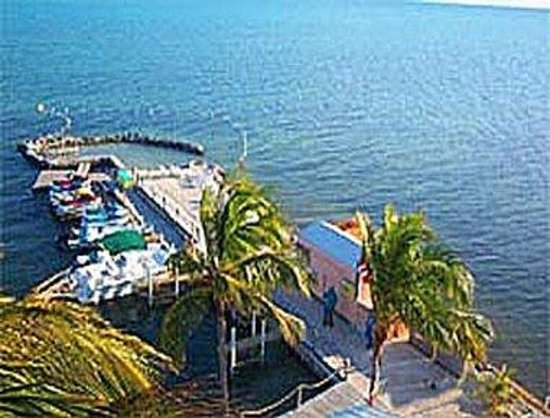 Days Inn and Suites Key Islamorada : Ocean View
