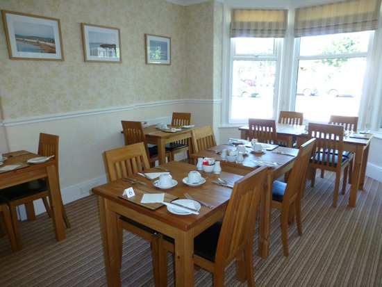 The Cliffbury Guest House: Breakfast room