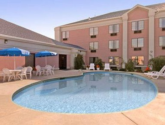 Days Inn Suites Poteau