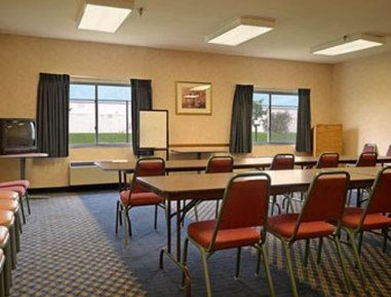 Days Inn & Suites of Morris : Meeting Room