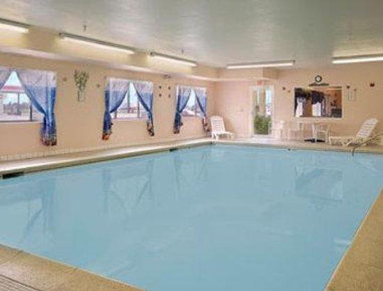 Photo of Days Inn & Suites Morris