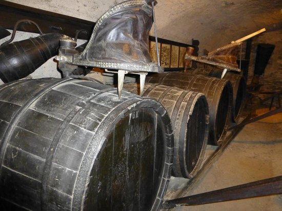 Schloss Marksburg: Wine cellar