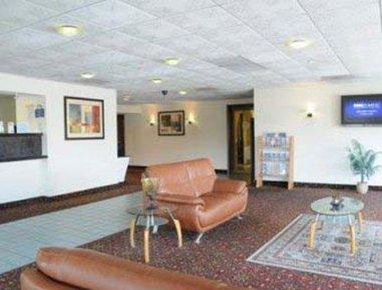 Americas Best Value Inn & Suites- Lexington Park : Lobby