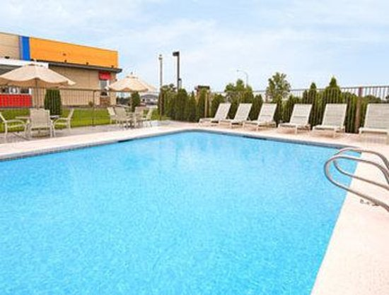 Days Inn Kennewick: Pool