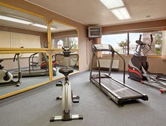 Days Inn Kennewick: Fitness Center