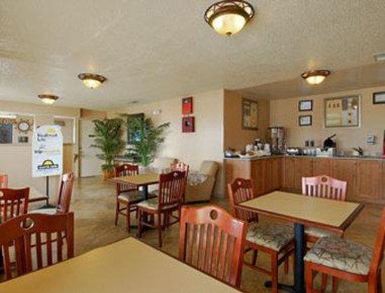 Days Inn San Antonio Interstate Hwy 35 North: Breakfast Area