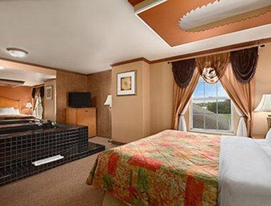 Days Inn & Suites Grand Rapids/Grandville: Sofa Suite