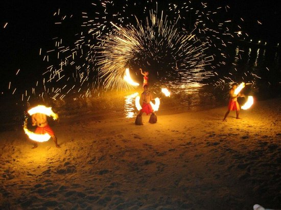 The Warwick Fiji: Fire Show