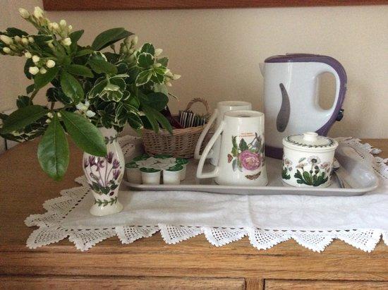 Lock House Bed & Breakfast: Tea and coffee facilities