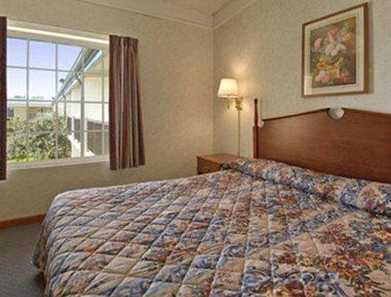 Days Inn & Suites Lexington, Ky: Jacuzzi Suite
