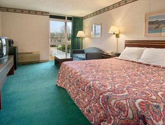 Knights Inn Enid: Standard King Bed Room