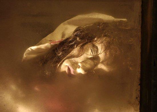 Prague Ghosts and Legends Museum: Head of headless laura - Karmelitská