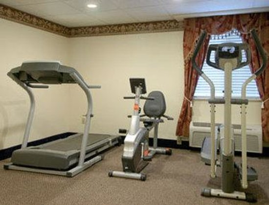 Days Inn & Suites Youngstown / Girard Ohio: Fitness Center