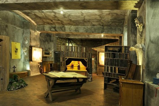 Prague Ghosts and Legends Museum: Cabinet of genisu loci Pragensis - spirit of Prague