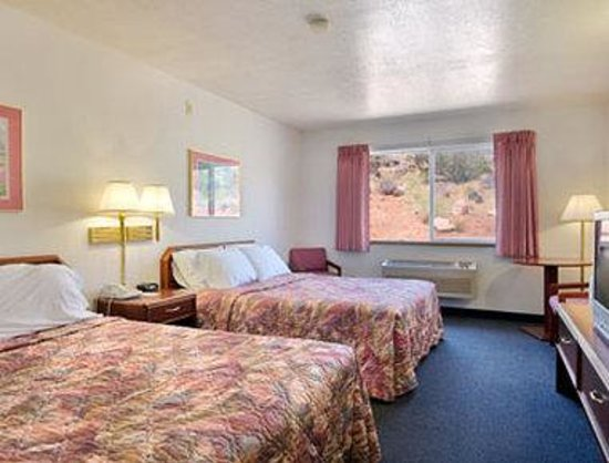 Days Inn Torrey Capital Reef: Standard Two Double Bed Room