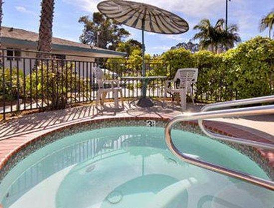 Days Inn Santa Barbara : Jacuzzi