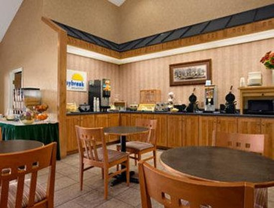 Days Inn Rapid City: Breakfast Area