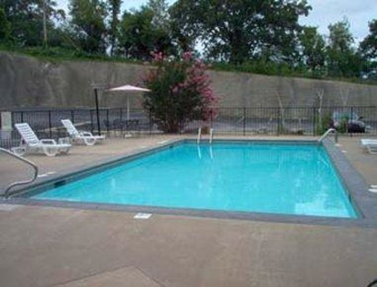 Days Inn Harrison: Pool