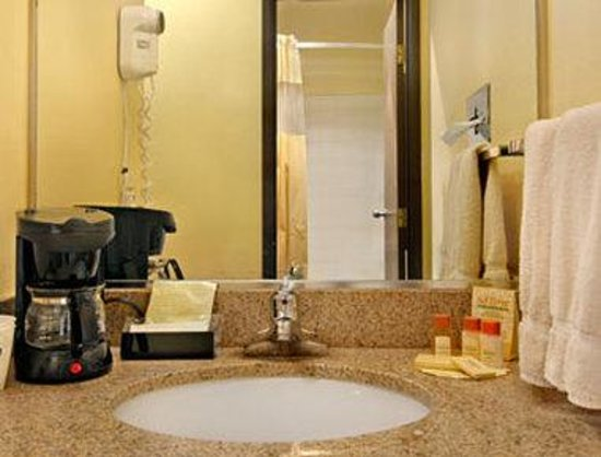 Days Inn Rio Rancho: Bathroom