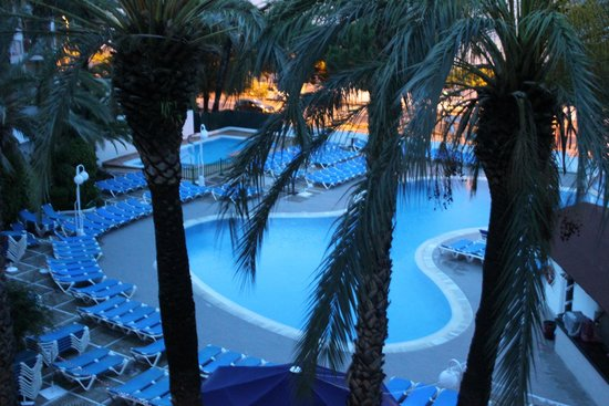 Hotel Best Cambrils : pool view from our room