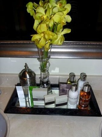 Residence & Spa at One&Only Royal Mirage Dubai: Generous supply of Molton Brown