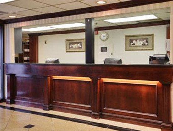 Days Inn Detroit Metropolitan Airport: Lobby