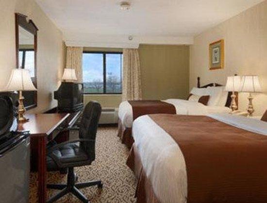 Days Inn & Suites Detroit Metro Airport Romulus: Business Double Room