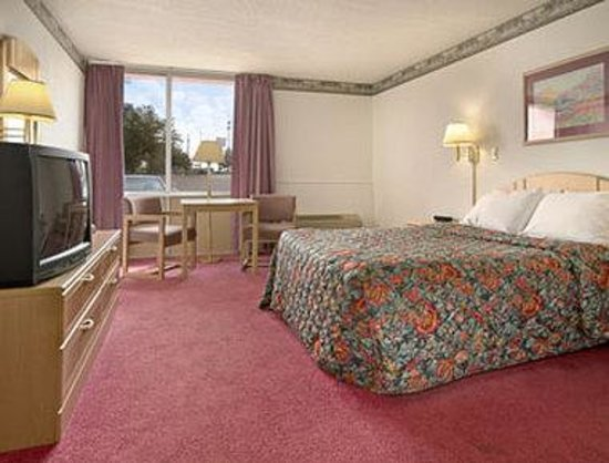 Days Inn Princeton: Standard Queen Bed Room