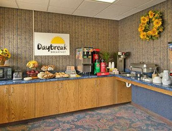 Days Inn Asheville North: Breakfast Area