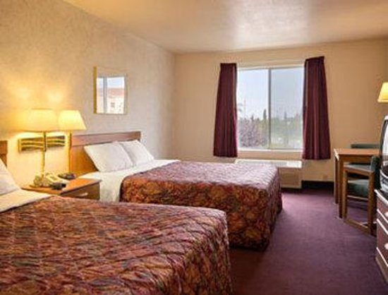 Days Inn Lathrop : Standard Two Double Bed Room