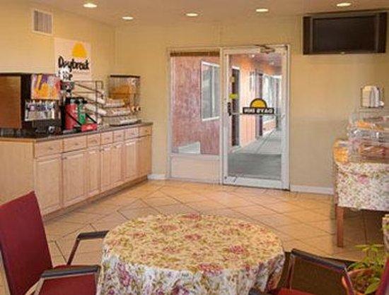 Days Inn Socorro: Breakfast Area