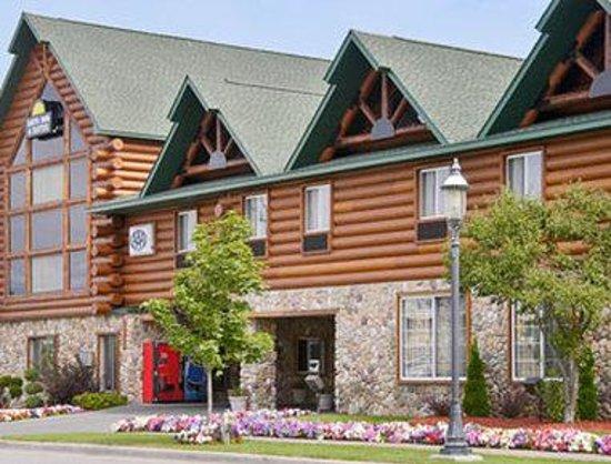 Days Inn & Suites-Mackinaw City-Bridgeview Lodge : Welcome to the Days Inn Mackinaw City