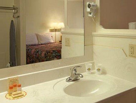 Days Inn Socorro: Bathroom