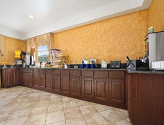 Days Inn Alvarado: Breakfast Area
