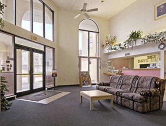 Days Inn Amarillo - Medical Center: Lobby
