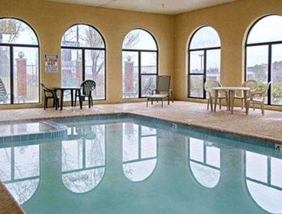 Days Inn Amarillo - Medical Center: Pool