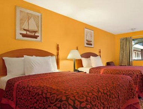 Days Inn Sulphur LA: Standard Two Double Bed Room