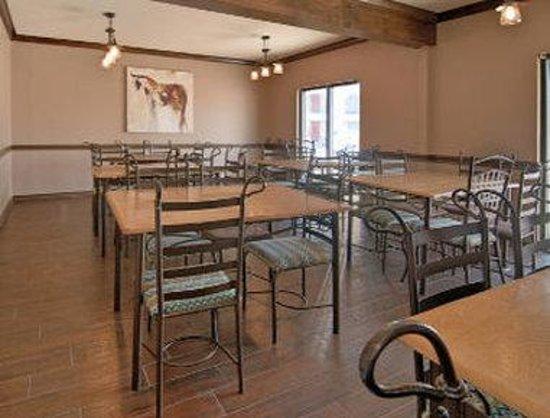 Days Inn Sonora Devils River: Breakfast Area