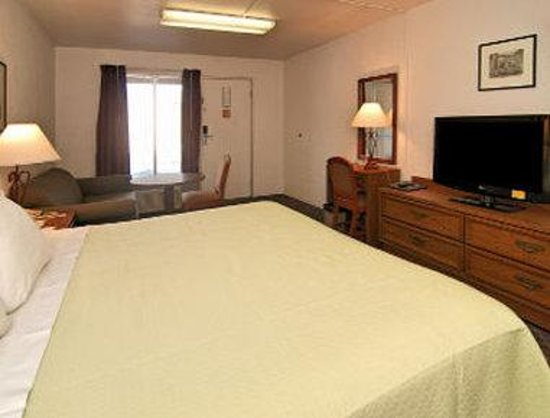 Motel 6: One Bed Guest Room