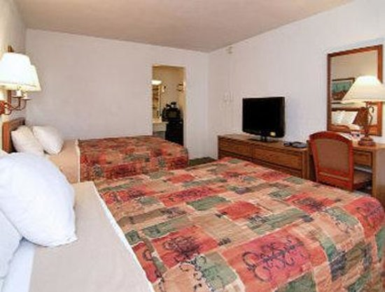 Days Inn Sonora Devils River: Two Bed Guest Room