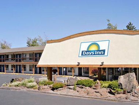 Welcome to the Days Inn Bend