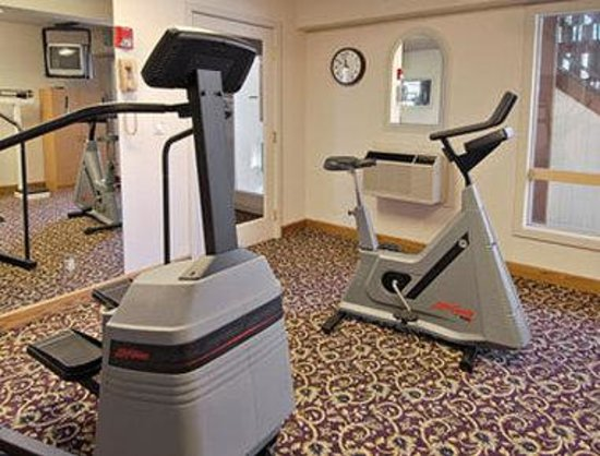 Days Inn by Wyndham Bend: Fitness Center