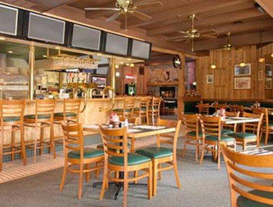 Days Inn Freehold : Huddys Inn Restaurant