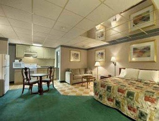 Days Inn Pittsburgh: King Bed Room