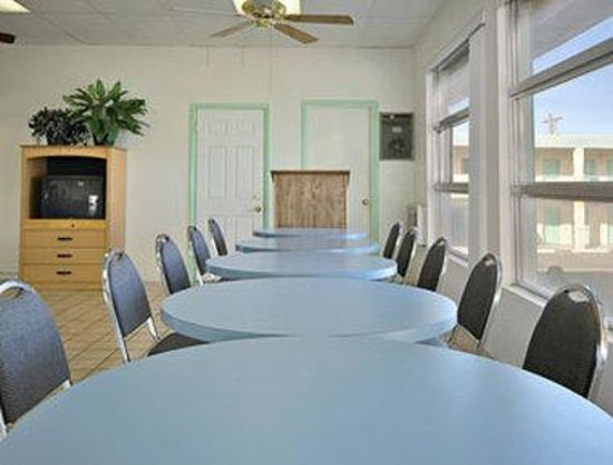 Welcome Inn & Suites: Meeting Room